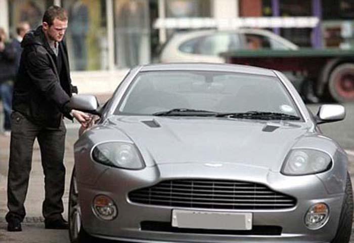 Wayne-Rooney-Aston-Martin