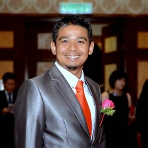 Encik Aziz Riadi
