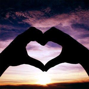 mencintai dan menyayangi