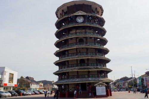 Struktur binaan