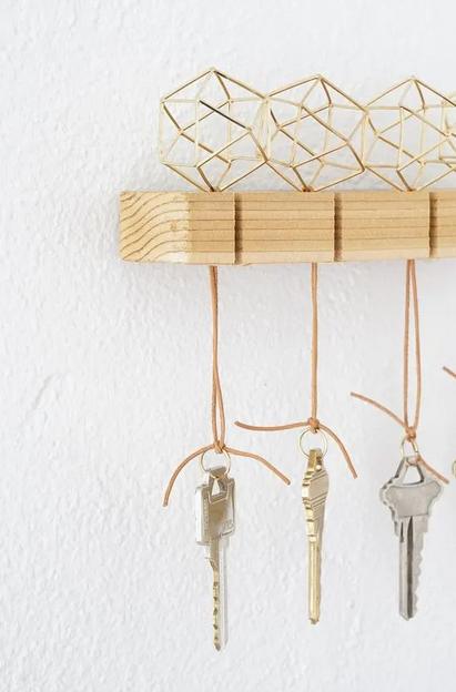 10 Idea Unik Dan Comel Tempat Gantung Kunci